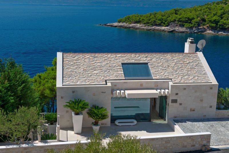 Дом в остров Скирос у моря
